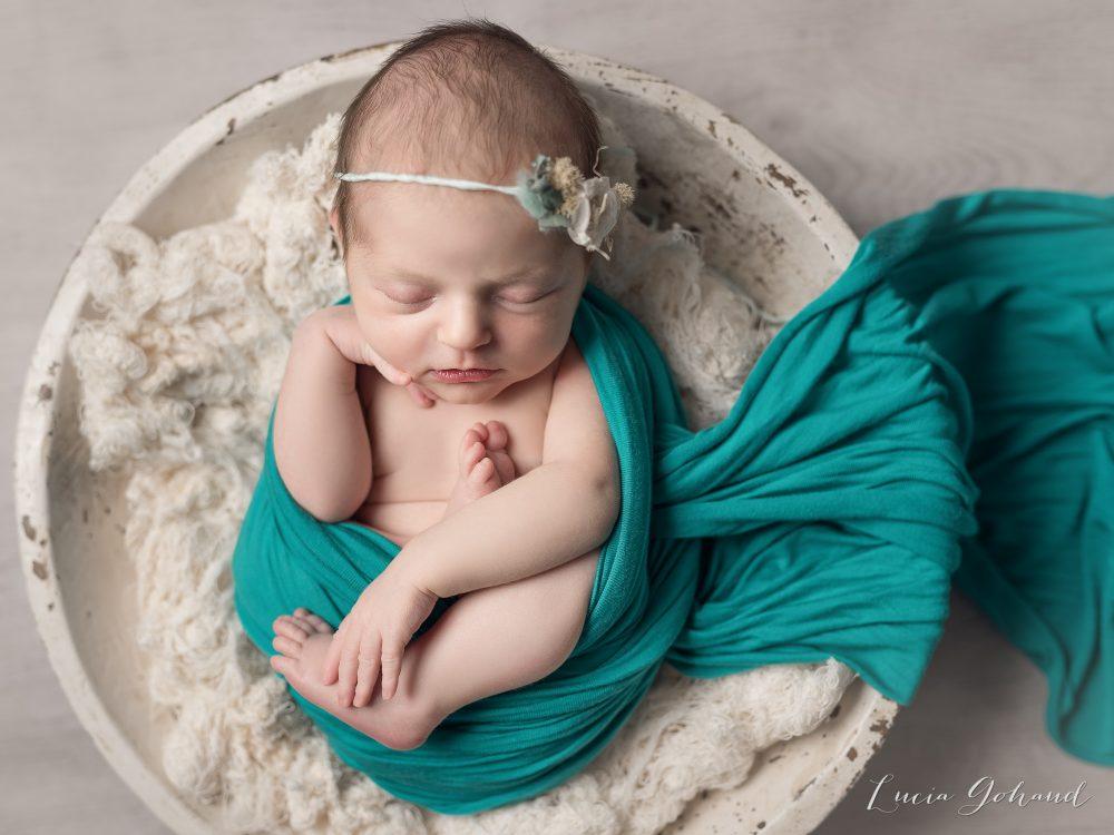 petite fleur pendant sa séance de naissance