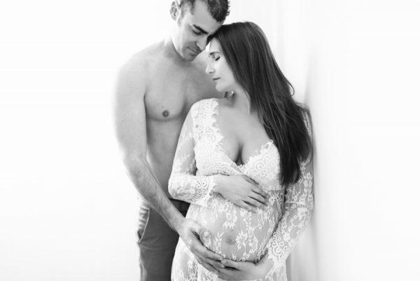 Séande de maternité et naissance au studio
