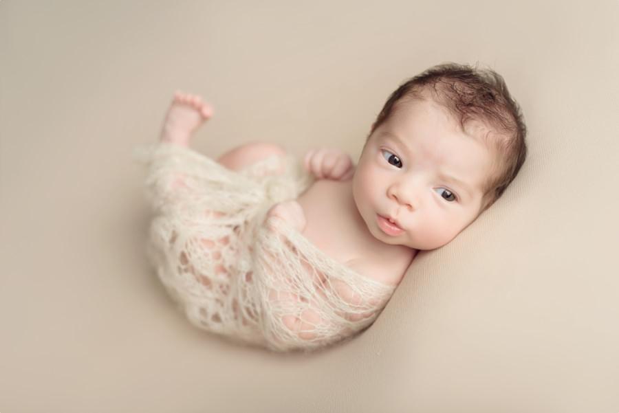 bébé expressif