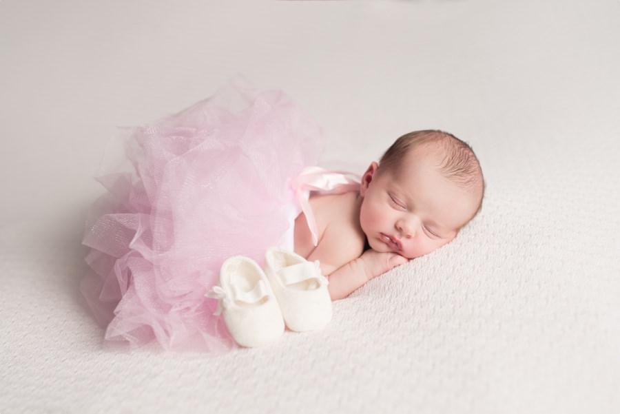 bébé ballerine avec tutu et pointes