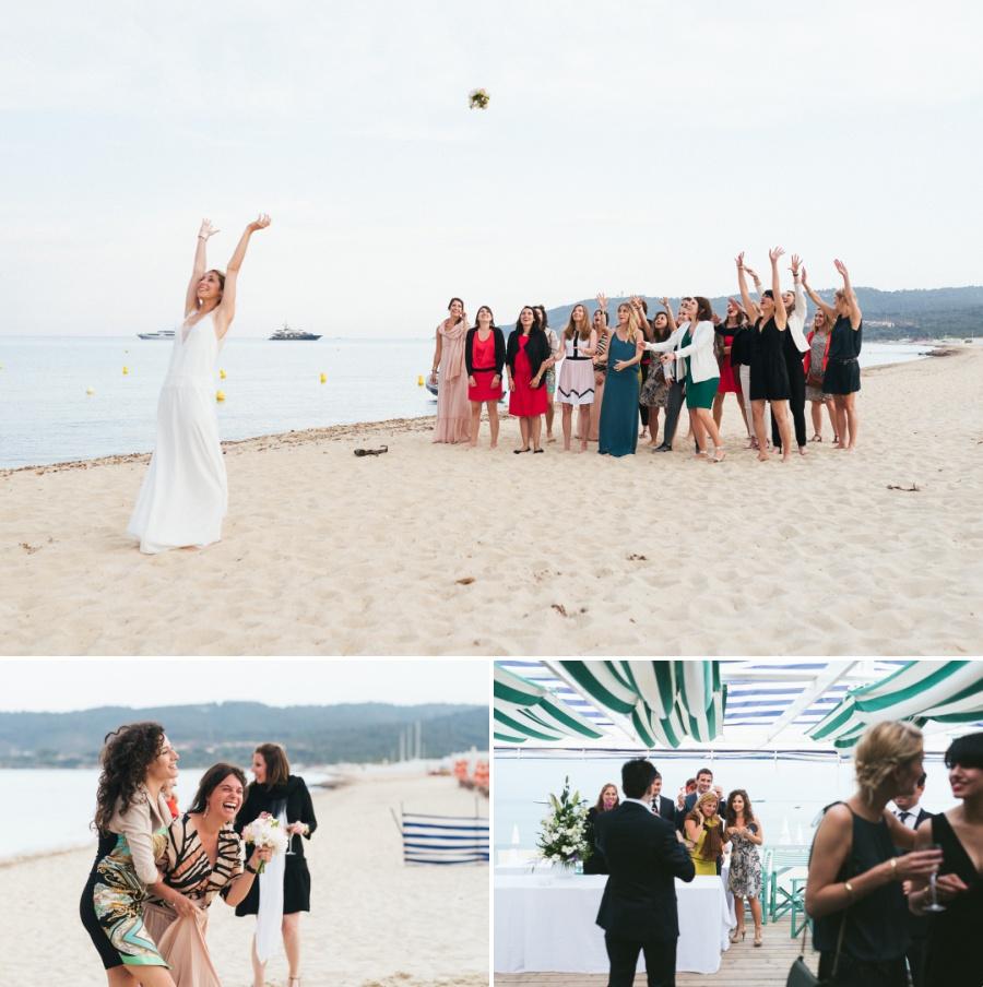 lancé de bouquet de mariée à la plage