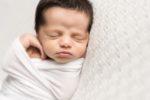bébé fille à la naissance