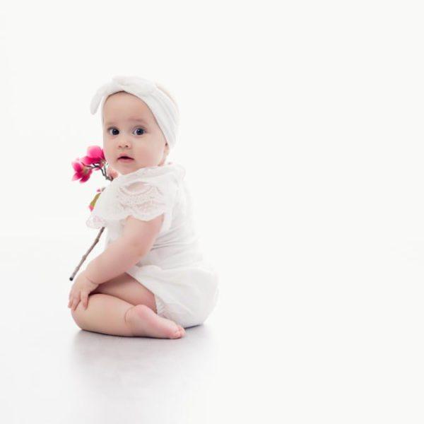 Bébé Taïs - séance photo de 8 mois